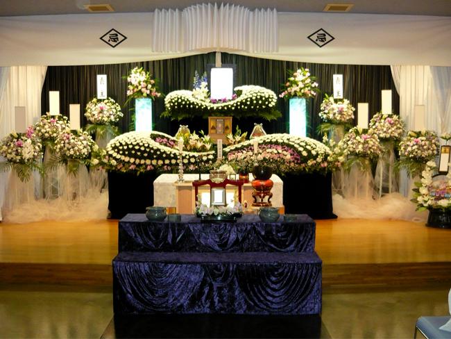 家族葬150万生花祭壇